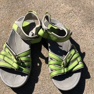 Women's Teva sandals size 6